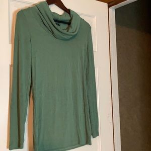 PattyBoutik Cowl neck-Green. Long top.